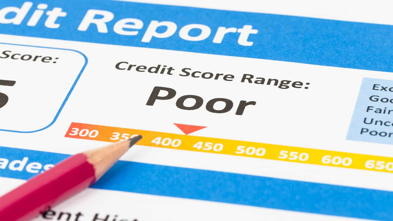 A poor credit score may make it difficult to qualify for a debt consolidation loan at the right interest rate