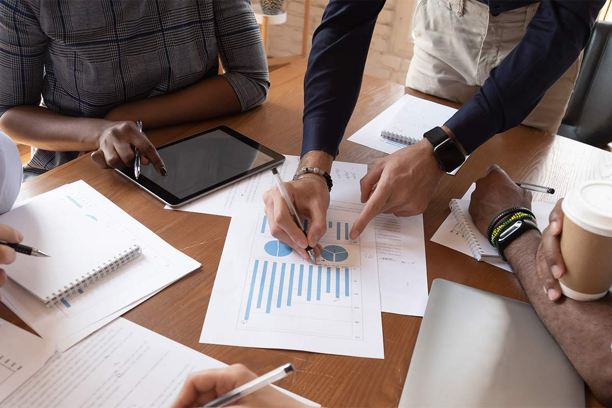 discuss financial report in charts diagrams and graphs